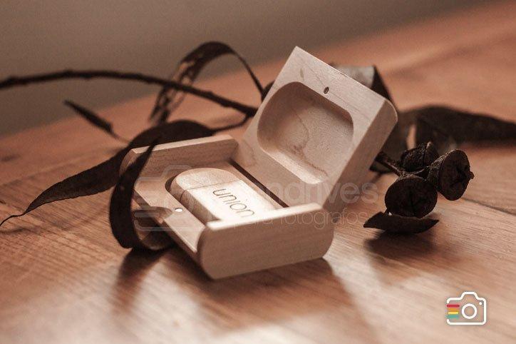 Clé USB et boîte en bois personnalisables